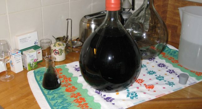 inktzwarte wijn